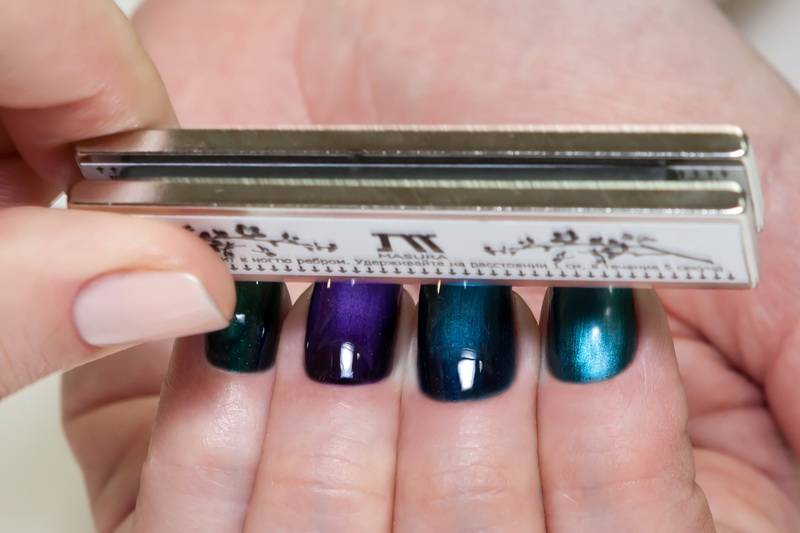 Masura magnetic nail polish - double-magnet scan